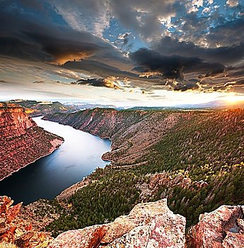 Colorado Springs, CO – Set the Mood with Custom Canvas Prints in the Home, Office, or Shop